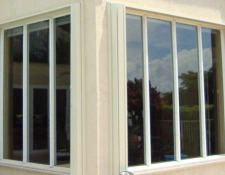 Residential hurricane resistant/impact windows